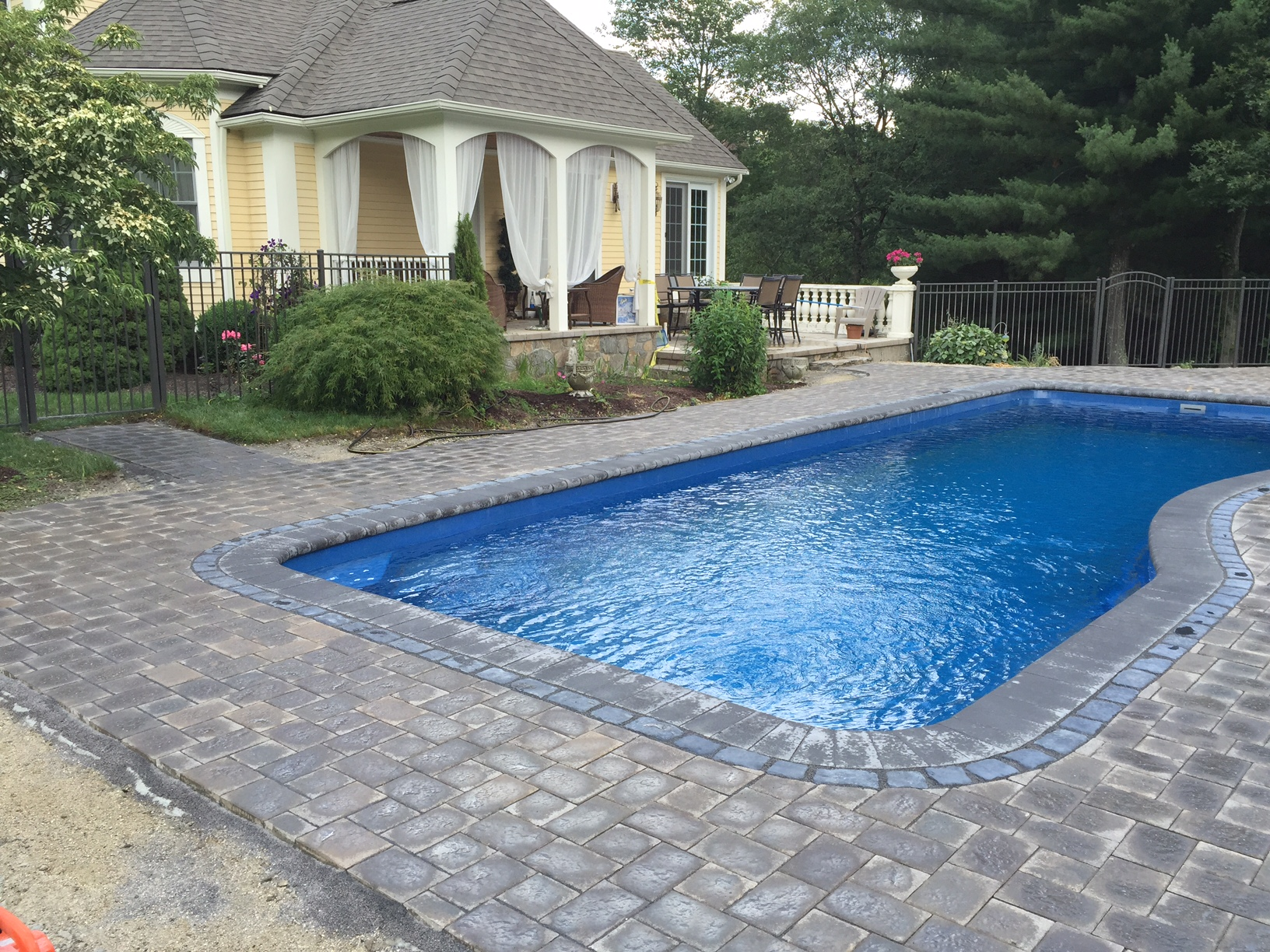 Smithfield, RI Fiberglass Pool And Patio