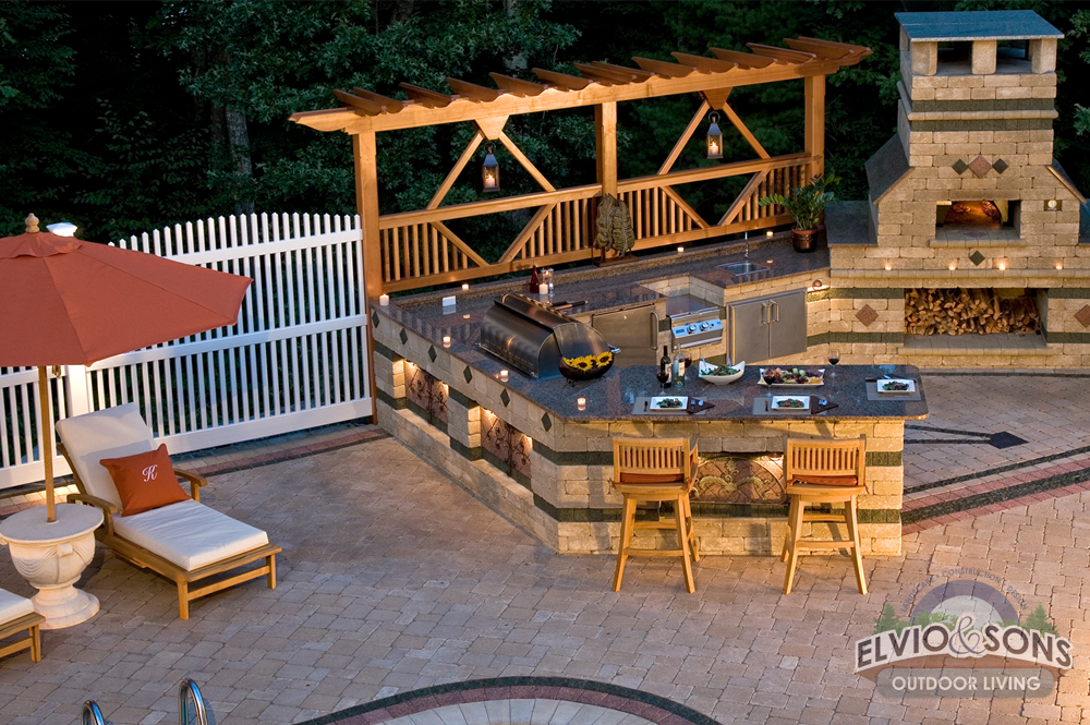 Outdoor Kitchen Paver Patio And Linered Pool Elvio And Sons