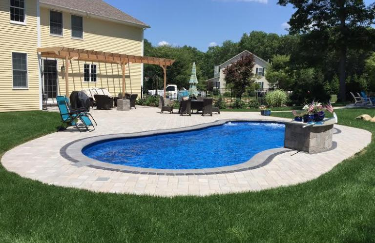 North Kingstown Fiberglass Pool and Patio