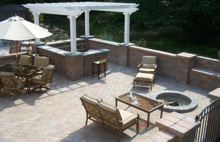 South Kingston Patio and Outdoor Living Space